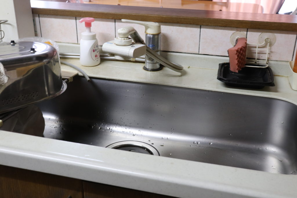 パッキン劣化による台所漏水